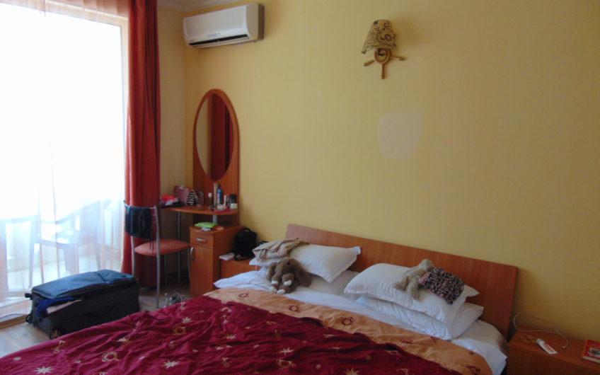 Апартамент до плажа Виктория Резиденс